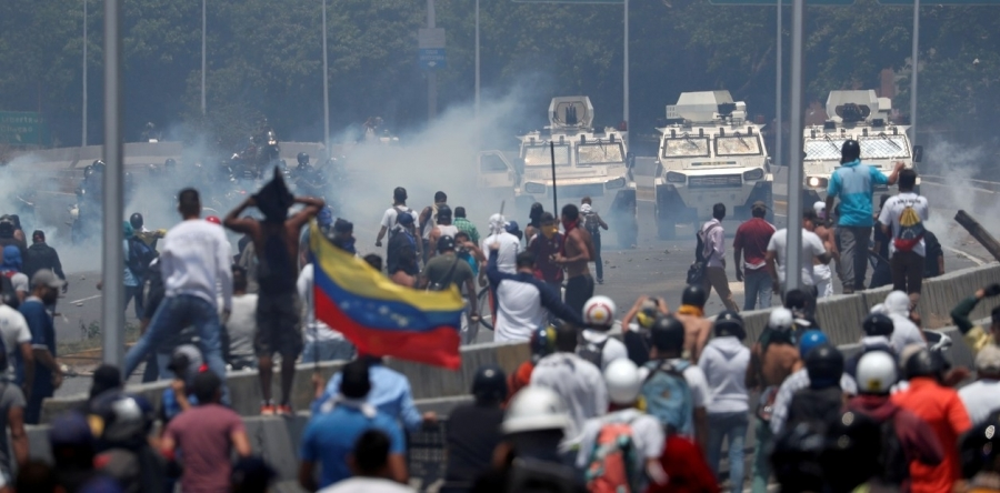 Against the American intervention in Venezuela